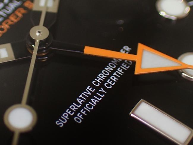 視認性抜群の探検家時計です!